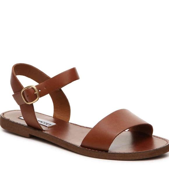 403c0c4b5acd Steve Madden Donddi Flat Sandals. M_5b161dec619745b249e05de5